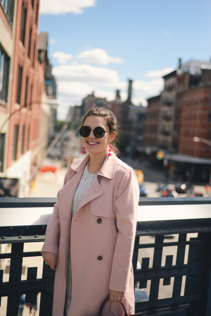 Pink Trench Coat, the High Line, New York City / AnExplorersHeart.com